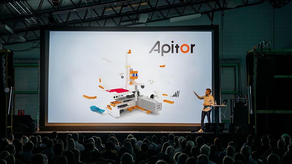 Презентация Apitor SuperBot в России